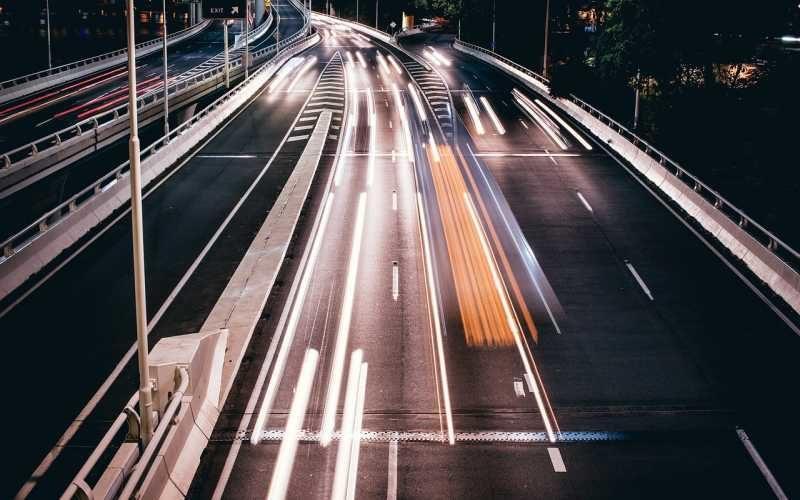 Symbolbild: Geschwindigkeit; von Pixabay